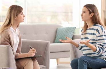 What-Is-The-Difference-Between-A-Psychiatrist-And-A-Counselling-Psychologist