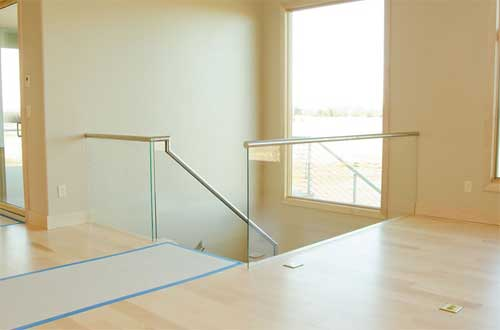 Five things you should know about glass railing